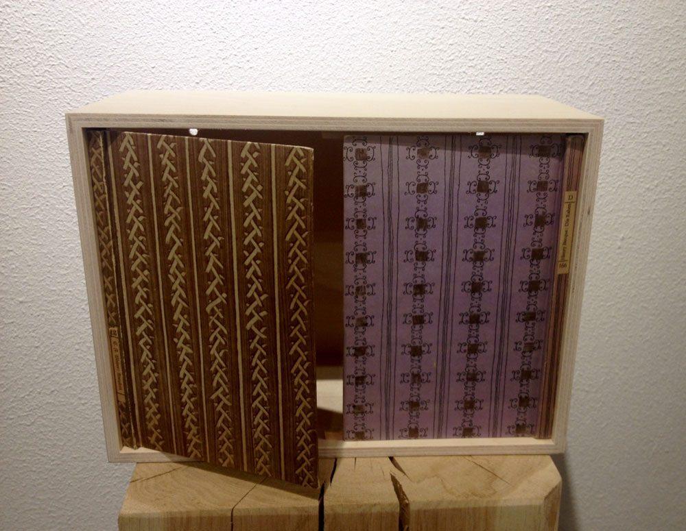 wandschr nkchen raumausbeute mit insel b chlein. Black Bedroom Furniture Sets. Home Design Ideas