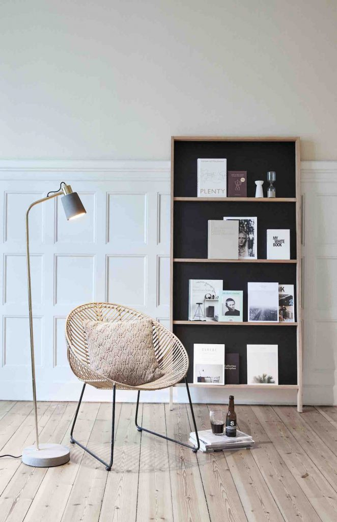 korbstuhl wei amazing anstrich hat es bentigt und je. Black Bedroom Furniture Sets. Home Design Ideas