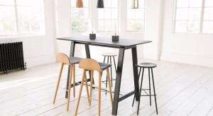 stehtisch mit hocker raumausbeute. Black Bedroom Furniture Sets. Home Design Ideas